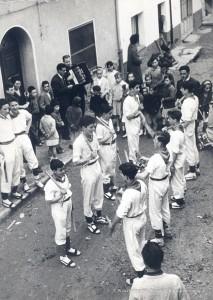 ball-bastons-inicis-70