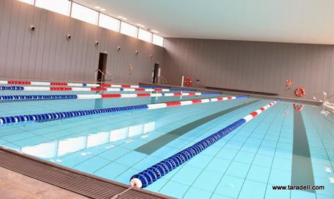 La piscina coberta de taradell tancar a l 39 agost per fer for Piscina coberta