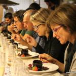 El tast de vins amb maridatge de xocolates recull 200 euros per Càritas Taradell