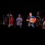 Taradell vibra amb el concert de la Troba Kung-Fú