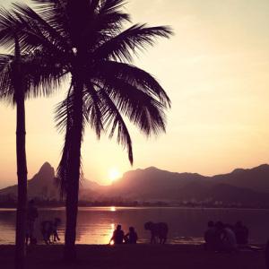 Posta-de-sol-a-la-lagoa-Rio-de-Janeiro-marta-arranz