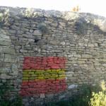Apareixen pintades a favor d'Espanya al Castell de Taradell
