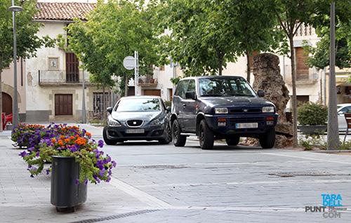 cotxes-aparcats-plaça-2016