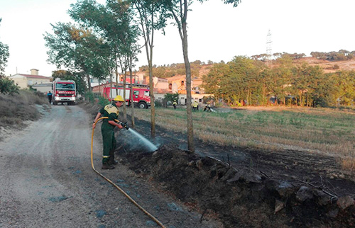 incendi-agricola-taradell-agost-20163