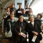 Els botiguers de Taradell lliuren els vals als premiats amb les experiències de la campanya de Nadal
