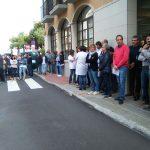 Concentració davant l'Ajuntament de Taradell de rebuig per la violència de l'1 d'octubre