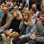 El ple de Taradell es converteix en un suport absolut a l'Aina i l'Adrià agredits i detinguts per la Policia Nacional