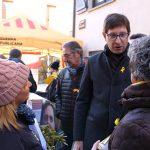 Carles Mundó fa campanya per ERC a la Fira de Santa Llúcia de Taradell