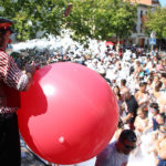 La calorada passa millor amb la festa de l'escuma de Festa Major 2018