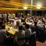 Uns 450 entrepans servits al sopar groc de Taradell amb familiars de Raül Romeva i Marta Rovira