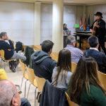 Presentat el llibre 'Oriol Junqueras, fins que siguem lliures' amb el públic cantant L'estaca al final