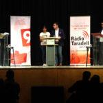 Santi Estragués (Junts per Taradell) i Mercè Cabanas (ERC Taradell) contraposen propostes en un debat electoral molt seguit