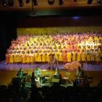 Els alumnes de l'escola Les Pinediques interpreten una cantata sobre el Petit Príncep