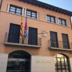 Segon cop en un mes que roben l'estelada i la pancarta dels presos polítics de la façana de l'Ajuntament de Taradell