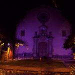 Taradell il·lumina de lila l'església i el campanar per condemnar la violència masclista