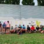 Joves de Taradell recuperen la paret del pipican pintant un mural