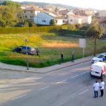 Un accident entre un turisme i una furgoneta causa dos ferits al carrer Catalunya