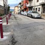 S'instal·len pilones i un nou Stop a la cruïlla del carrer Ramon Pou amb el carrer Sant Sebastià